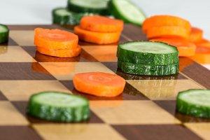 Tygodniowy jadłospis odchudzający z przepisami przygotowanymi przez dietetyków