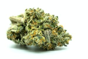 Good Health at Your Doorstep: 3 Definitive Reasons to Buy Weed Online